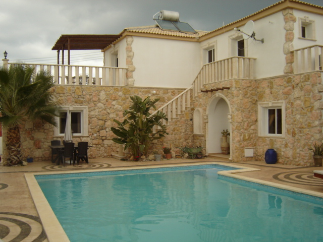 5 Bed Villa with Pool in Vrysoulles Cyprus